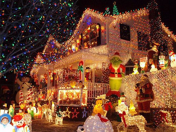 You are able to obviously start decorating your house anytime but  especially on your Christmas holiday, you'll find everyone extremely  involved with ...